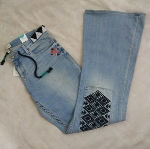 NWT Roxy embroidered flare jeans